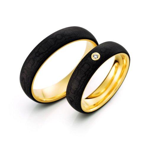 Carbon Gold Trauringe kaufen im Bochumer Trauringstudio. Wir sind Ihre Trauringexperten für Bochum, Essen, Dortmund, Herne, Gelsenkirchen, Hattingen, Witten, Sprockhövel, Wattenscheid, Castrop-Rauxel und Velbert.